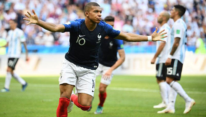 Deschamps brands Henry as France's 'enemy'