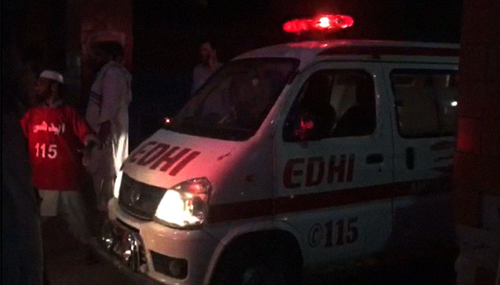 An ambulance arrives at Lady Reading Hospital after a suicide blast in Yaka Toot area, Peshawar, Pakistan, July 10, 2018. Image: Geo News