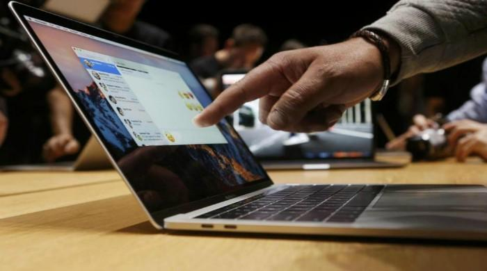 Apple launches faster processors on MacBook Pro