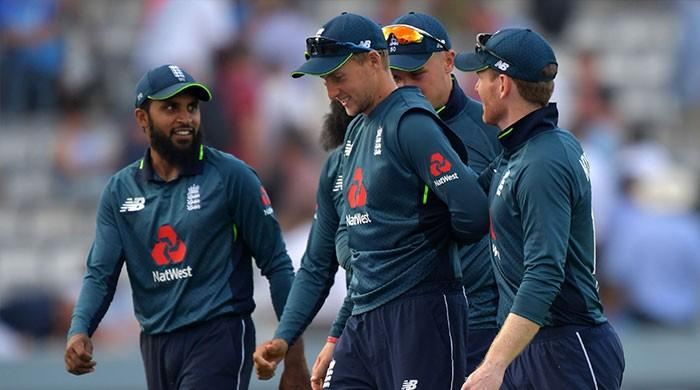 Root century sets up England´s series-levelling win over India