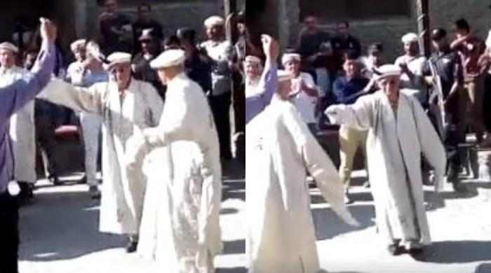 CJP Saqib Nisar dances to traditional tunes in Gilgit-Baltistan