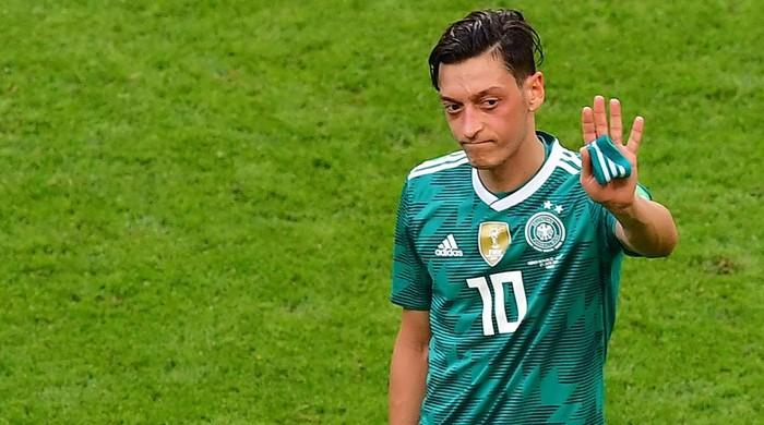 Mesut Ozil, citing 'racism', quits Germany side after World Cup debacle