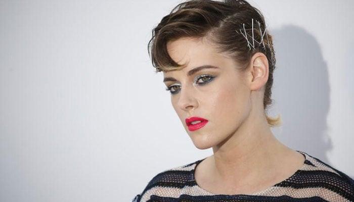 Elizabeth Banks to direct, star in 'Charlie's Angels' reboot with Kristen Stewart