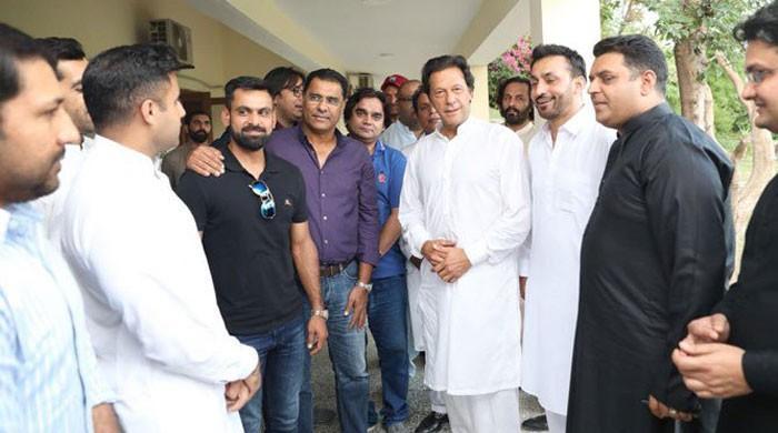 National cricketers arrive at Bani Gala to meet Imran Khan