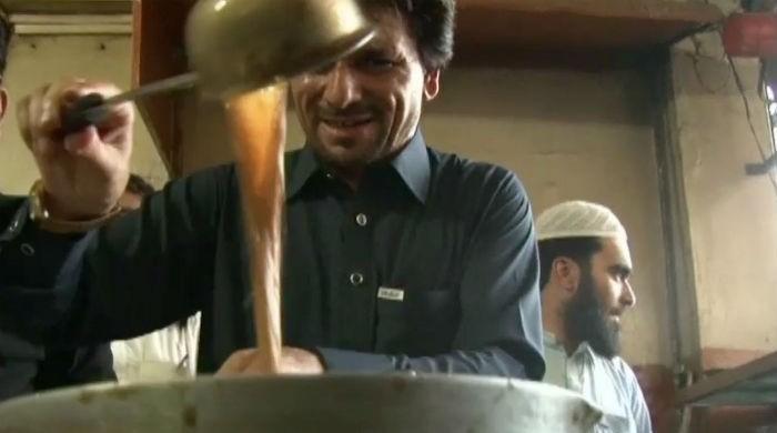 PTI's 'chaiwala' MNA brews change in traditional politics