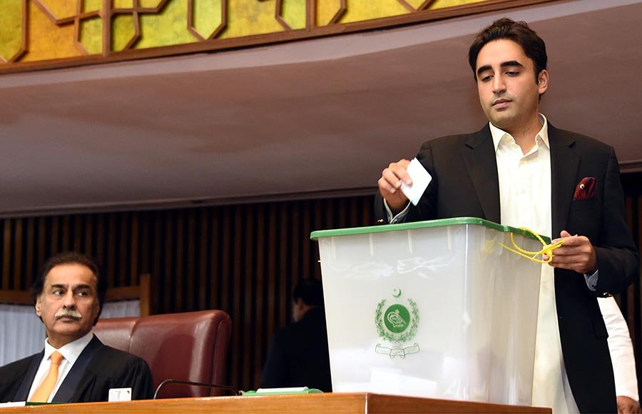 Chairman PPP MNA Bilawal Bhutto Zardari casting his vote during polling for Speaker National Assembly at Parliament House - Photo: Online