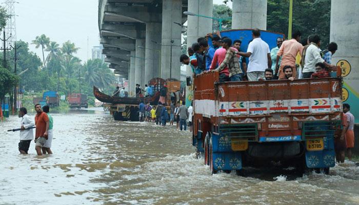 Worst flood in a century kills 43 in Kerala, more rain due