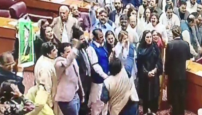 PML-N MNAs protesting in the National Assembly- Photo: Screengrab