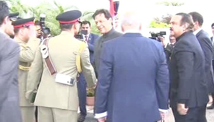 Imran Khan arrives at the oath-taking ceremony. Photo Geo News