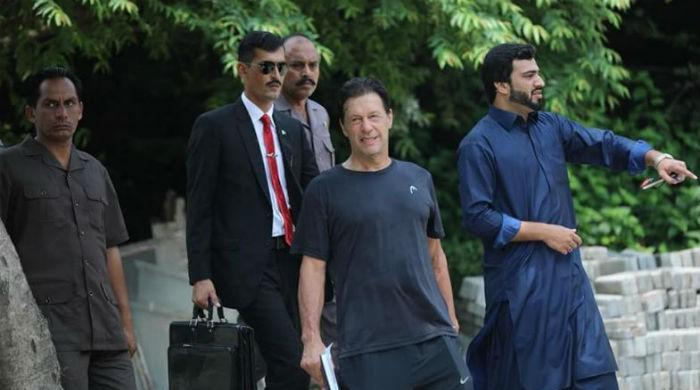 PM Imran Khan reaches office after morning workout