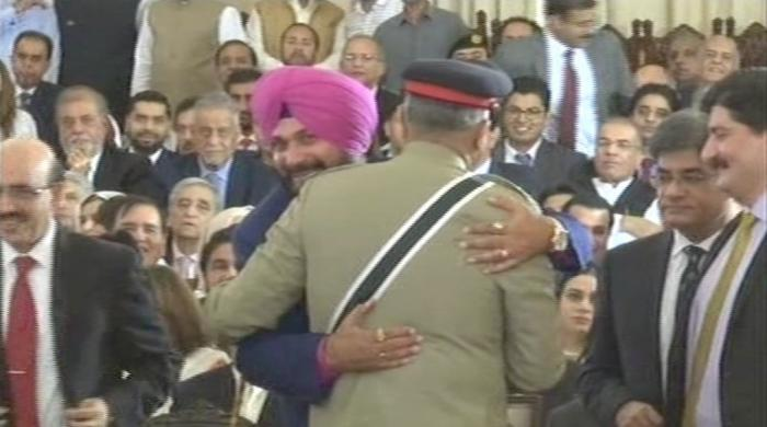 Navjot Singh Sidhu justifies hugging Pakistan army chief