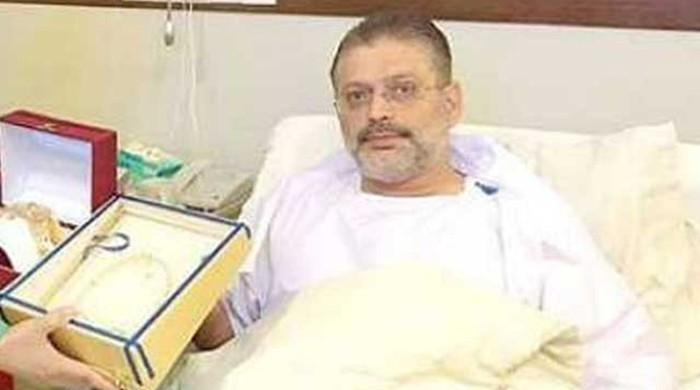 No trace of alcohol in Sharjeel Memon's blood, bottles contained oil and honey