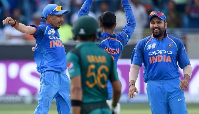 India players celebrate Babar Azam's run out. Photo: AFP