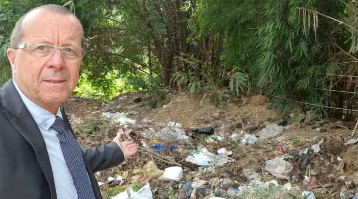 2 CDA officials suspended after German envoy's tweet on Islamabad trash