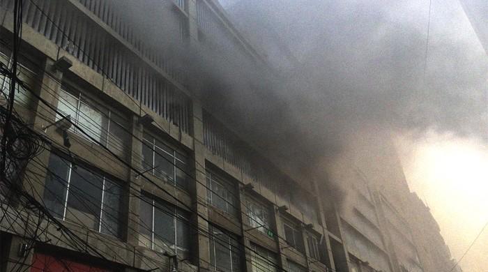 Firefighters extinguish blaze in Karachi building after eight hours