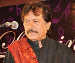 Legendary singer Attaullah Khan Esakhelvi hospitalised