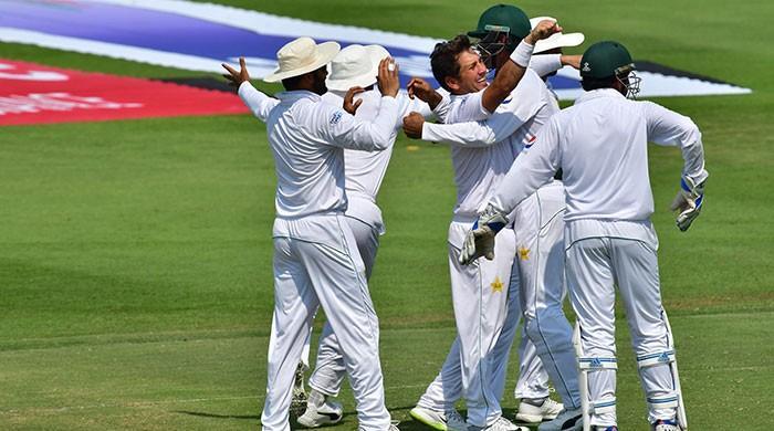 Pakistan dismisses Australia for 145 runs in first innings