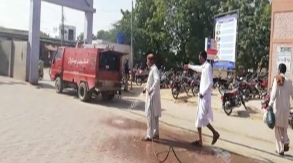 Dozens of protocol vehicles crowd roads of famine-hit Thar