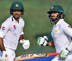 Pakistan 144-2 at close, lead by 281