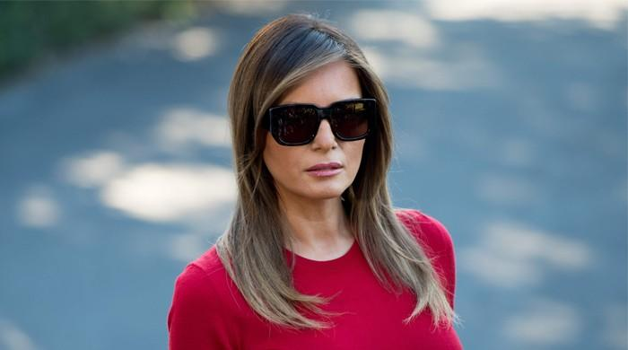 Melania Trump's plane turns back after smoke incident