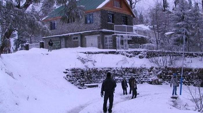 Army rescues 13 people trapped in snow-packed Diamer