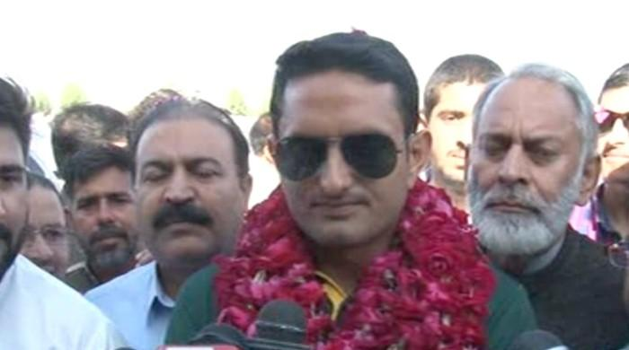 Mohammad Abbas returns to Sialkot to hero's welcome