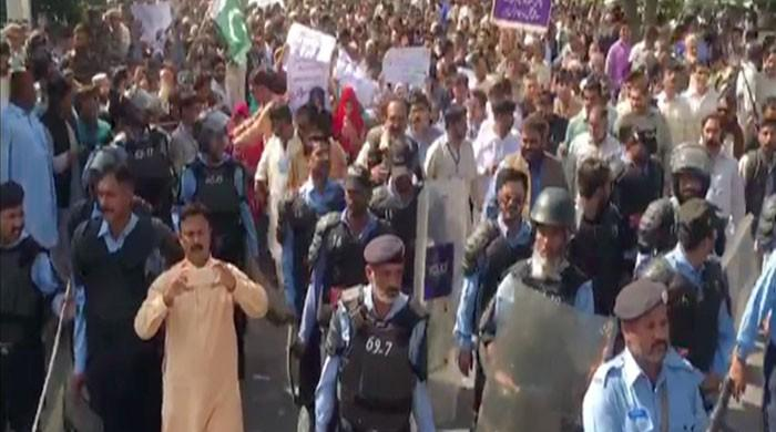 Utility Stores employees stage sit-in in Islamabad against likely closure, work contracts