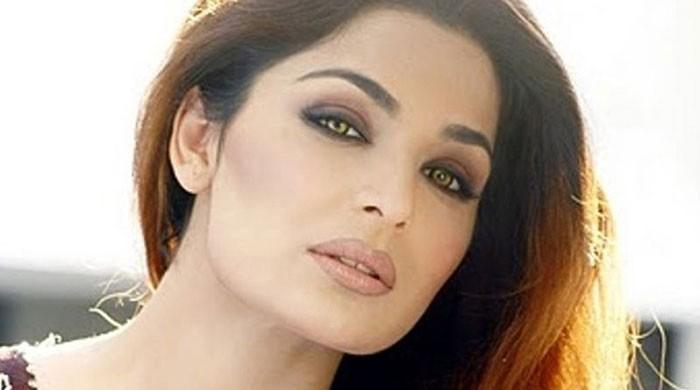Meera's lawyer sends her legal notice, actor asks him to respond too