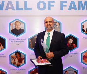 Salman Sufi receives Mother Teresa Award