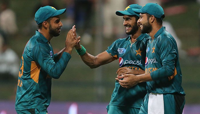 Pakistan vs Australia: Hosts survive Glenn Maxwell onslaught to clinch T20 series