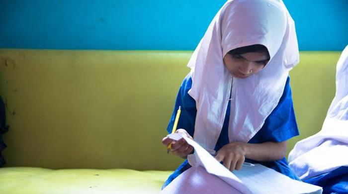 Pakistan failing to educate girls: HRW