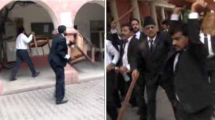 Lawyers vandalise sessions court demanding LHC bench in Faisalabad