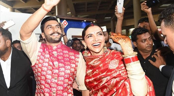 Deepika, Ranveer spotted at Mumbai airport