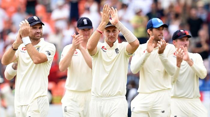 England win second Test to seal Sri Lanka series