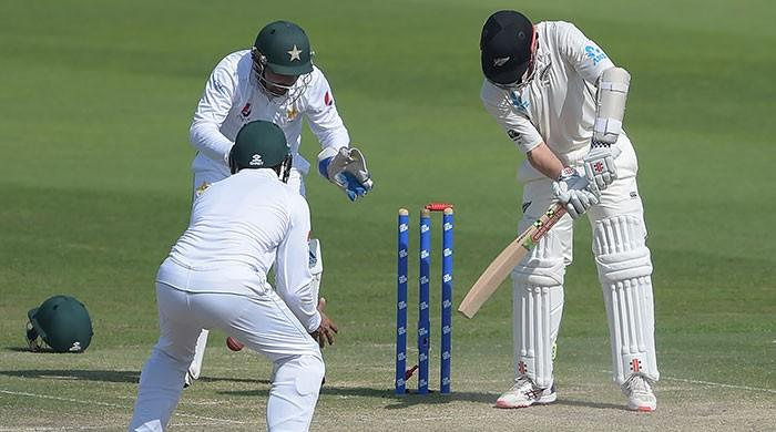 Pakistan need 176 to win first Test against New Zealand