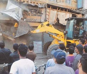 Anti-encroachment drive expands to Karachi's Arambagh, Lighthouse