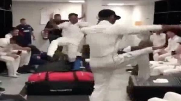 NZ cricketers do bhangra after beating Pakistan