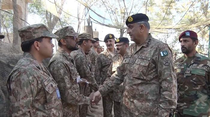 COAS briefed on Indian ceasefire violations during LoC visit