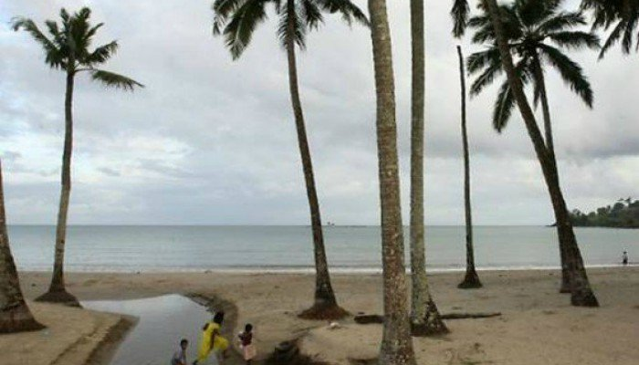 Indian island police struggle to get body of American