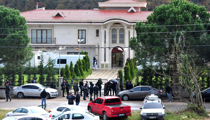 Turkish police search villas in hunt for Khashoggi remains