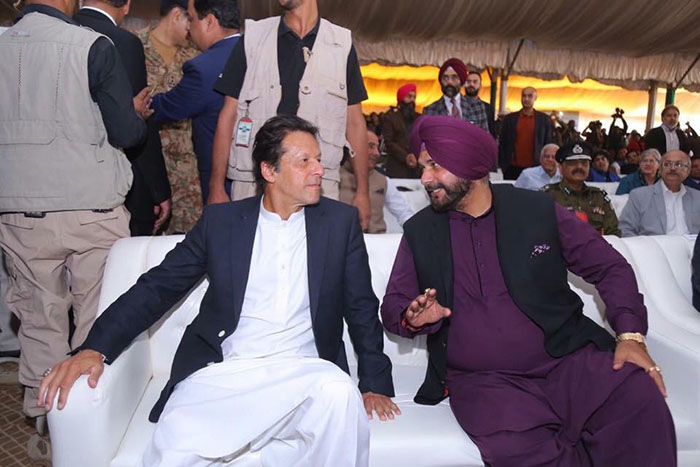 PM Imran Khan and Navjot Singh Sidhu at the Kartarpur groundbreaking ceremony. Photo: Imran Khan Facebook