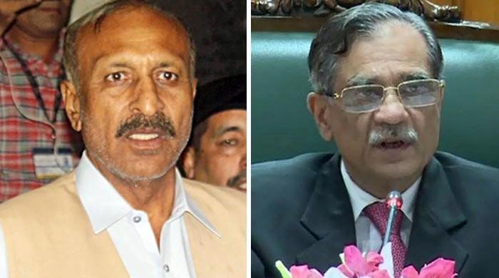 Is this Naya Pakistan's police which cannot control Mansha Bomb, asks CJP
