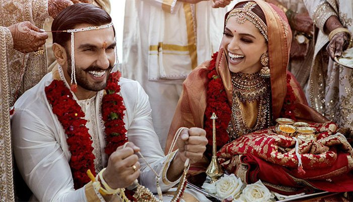 Deepika and Ranveer sizzle in their star-studded Mumbai reception