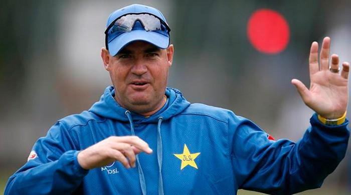 Mickey Arthur calls on beaten Pakistan to toughen up for Tests