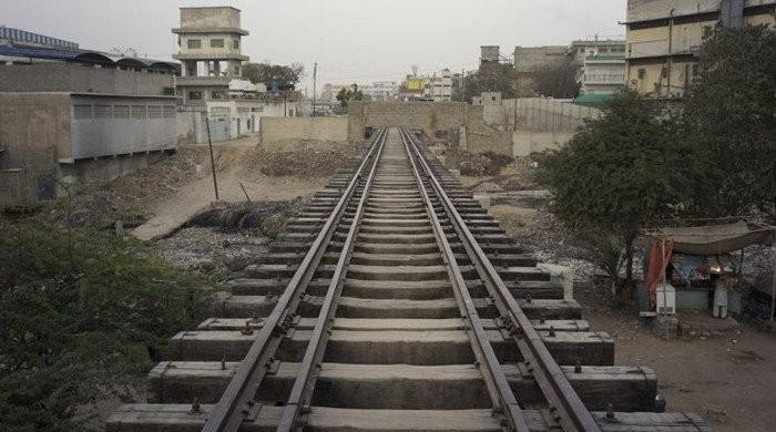 Operation against encroachments on Karachi Circular Railway begins