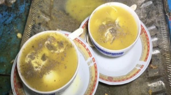 People flock to soup stalls in Sukkur as winter approaches