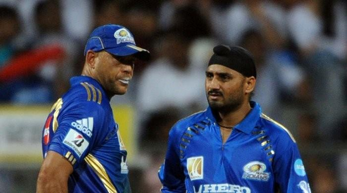 'Monkeygate' reignites as Harbhajan Singh denies he 'broke down crying'
