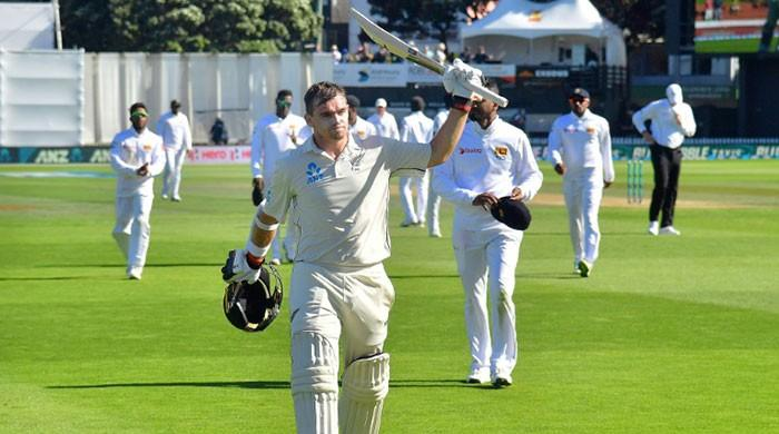 Latham hits epic 264 as stuttering Sri Lanka face defeat