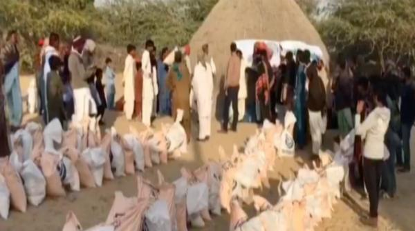 British Pakistani delegation arrives Thar for relief programme