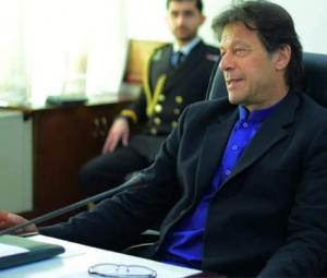 PM Imran chairs party meeting after Nawaz's sentence